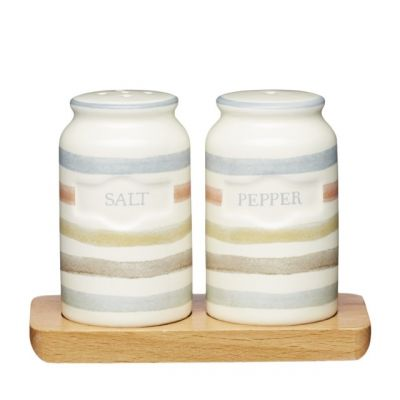 Salt and Pepper Shakers in Vintage Style Ceramic from Classic Collection